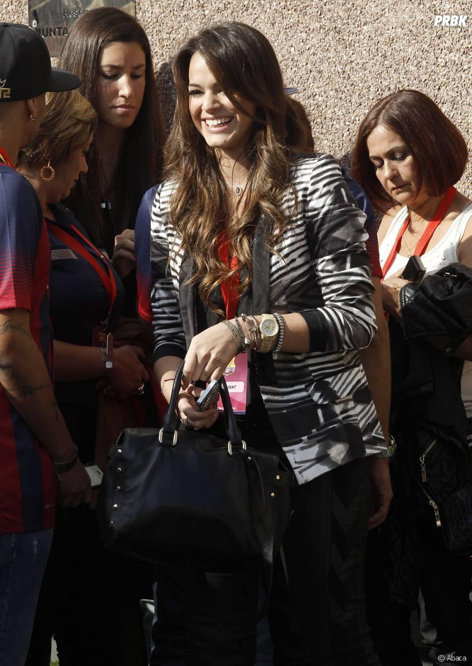 Bruna Marquezine suit Neymar en Espagne