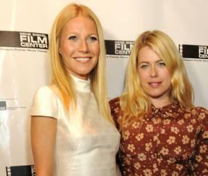 Gwyneth Paltrow oublie son soutif lors du Gene Siskel Film Center Gala