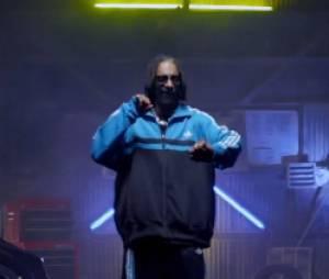 Snoop Dogg dans le clip de Let The Bass Go