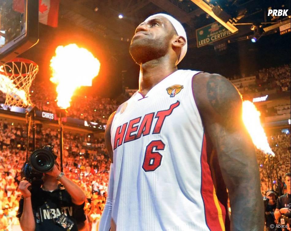 LeBron James imite Tony Parker et se met au rap