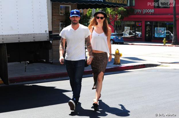 Adam Levine fiancé à Behati Prinsloo.