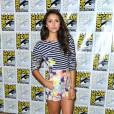 Vampire Diaries : Nina Dobrev en ensemble fleuri et rayé au Comic Con 2013
