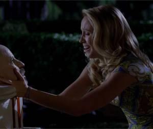 True Blood saison 6 : Sarah découvre la mort du Gouverneur Burrelldans l'épisode 7