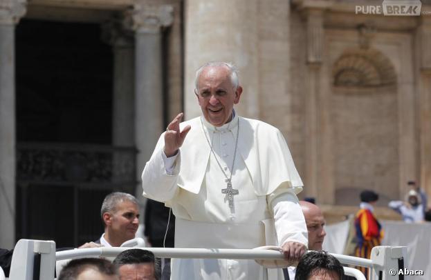 """Pape François : il ne """"juge pas"""" les homosexuels"""