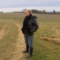 L'amour est dans le pré 2013 : un agriculteur pète et troue son slip, deux prétendantes se font la malle (Résumé)