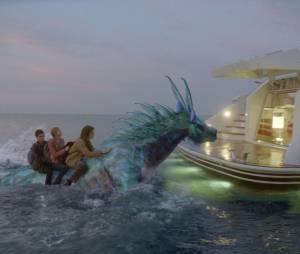 Percy, Annabeth et Tyson sur un hippocampe dans Percy Jackson : La Mer des Monstres