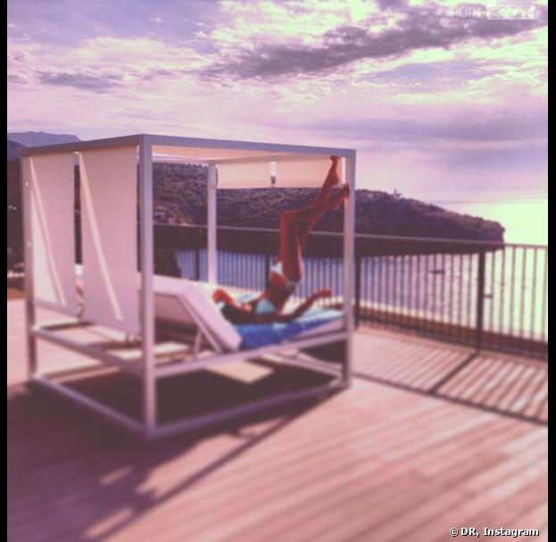 Malika Ménard en vacances à Majorque