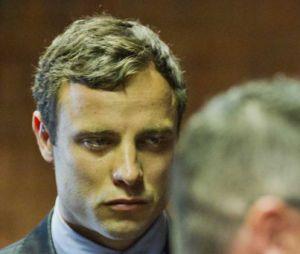 Oscar Pistorius face au tribunal de Pretoria suite à la mort de Reeva Steenkamp, le 19 août 2013