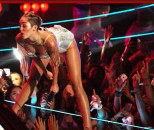 Miley Cyrus : son show aux MTV VMA 2013 choque Twitter