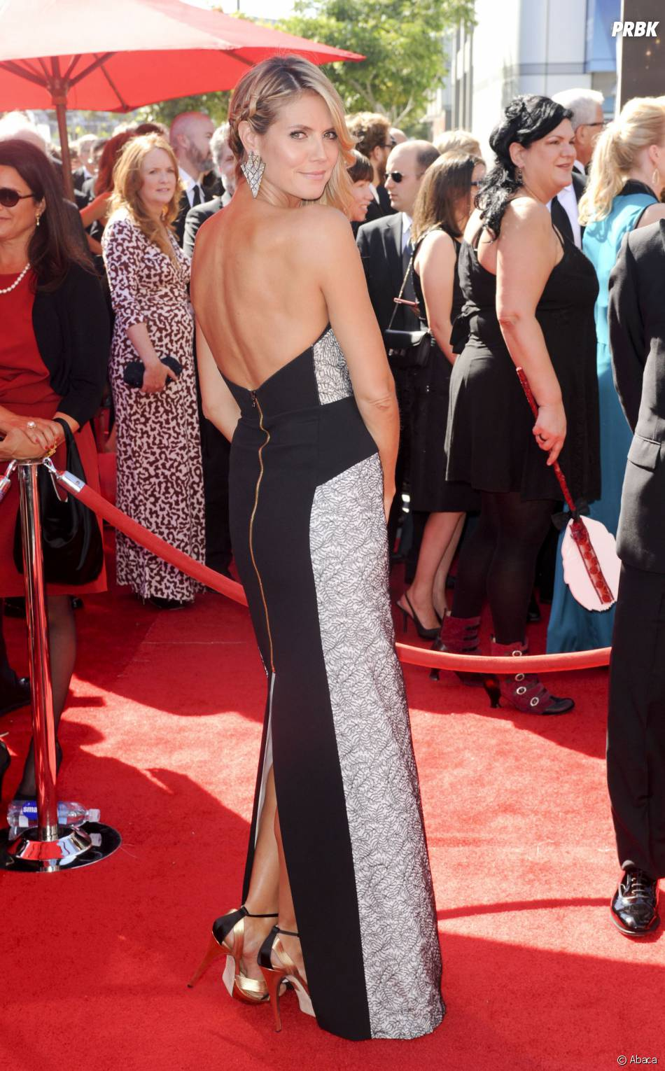 Heidi Klum pose aux Creative Arts Emmy Awards 2013 le 15 septembre 2013