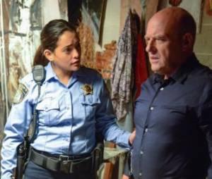 Under the Dome saison 1, épisode 13 : Natalie Martinez et Dean Norris