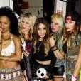 Vanessa Hudgens et le groupe YLA au  Bootsy Bellows  à Los Angeles