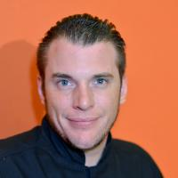 Top Chef 2014 : Stéphane Rotenberg se prépare avec un livre de cuisine