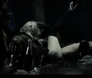 Taylor Momsen trash dans son dernier clip Going To Hell