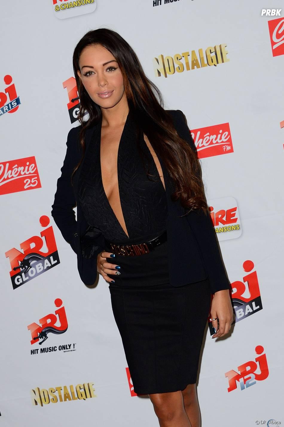 Nabilla Benattia confirme ne pas avoir porté de culotte sur Canal +