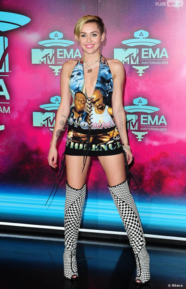 sur le tapis rouge des MTV EMA 2013 à Amsterdam, le 10 novembre 2013