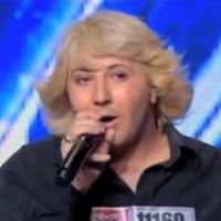 Allo Nabilla : John, le chanteur raté devenu assistant