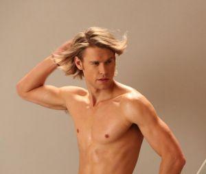 Glee saison 5, épisode 6 : Sam torse-nu dans la bande-annonce