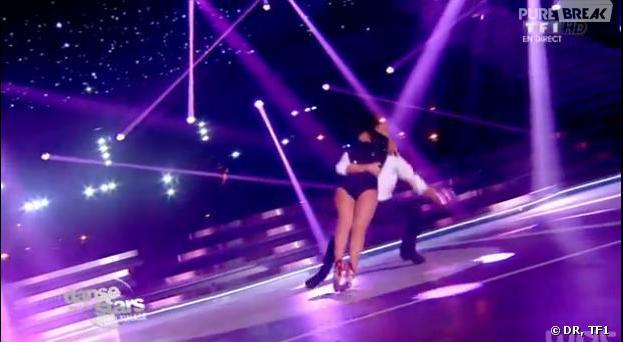 Danse avec les stars 4 : Alizée chute pendant le marathon de la danse (à 3:18 dans la vidéo)