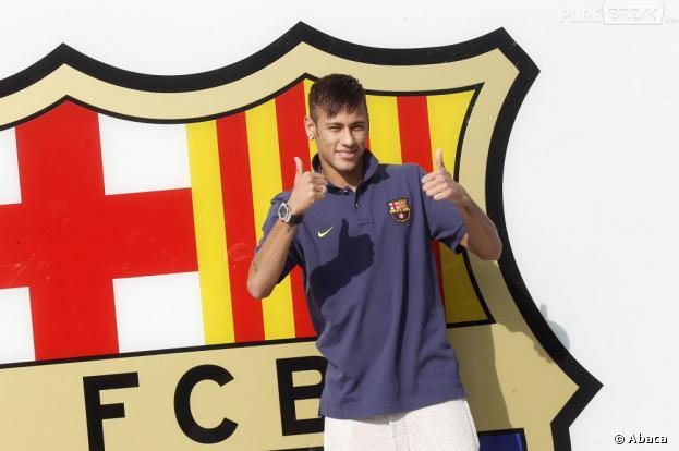 Neymar  FC Barcelone    Sa Pee Copine Accus  E D Infid  Lit