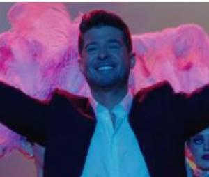 Robin Thicke dans le clip de Feel Good