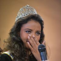 Flora Coquerel : Miss France 2014 en larmes pour son retour à la maison