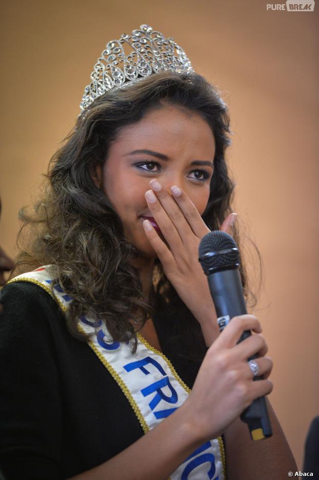Flora Coquerel : Miss France 2014 émue dans son village, le 18 décembre 2013 à Morancez
