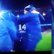 PSG VS ASSE : Ezequiel Lavezzi fête la victoire... avec une main aux fesses
