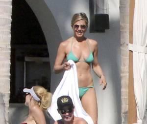 Jennifer Aniston et Couteney Cox sous le soleil de Los Cabos, au Mexique, le 30 décembre 2013