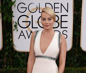 Margot Robbie sur le tapis rouge des Golden Globes 2014