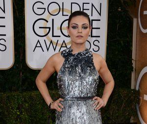 Mila Kunis sur le tapis rouge des Golden Globes 2014