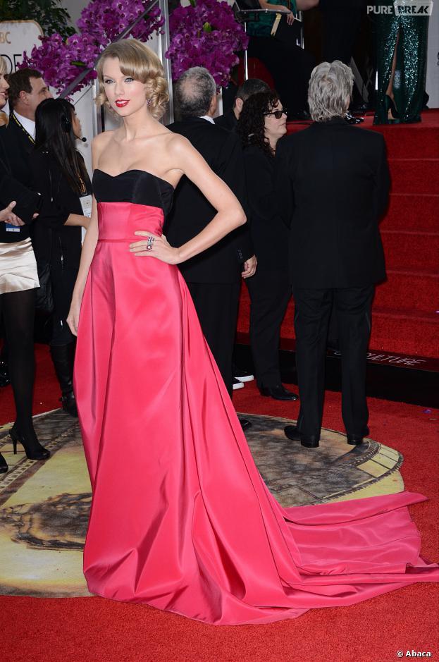 Taylor Swift sur le tapis rouge des Golden Globes, le 12 janvier 2014 à Los Angeles