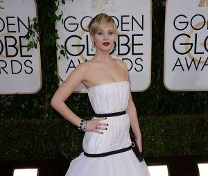 Jennifer Lawrence sur le tapis rouge des Golden Globes 2014
