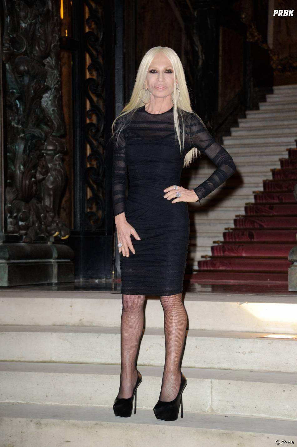 Donatella Versace au défilé Versace à la Fashion Week de Paris, le 19 janvier 2014