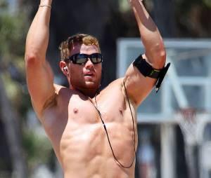 Kellan Lutz : torse nu pour une séance de sport, le 3 août 2011 à Los Angeles