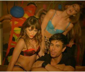 Enrique Iglesias et Pitbull : des filles en sous-vêtements dans le clip d'I'm A Freak