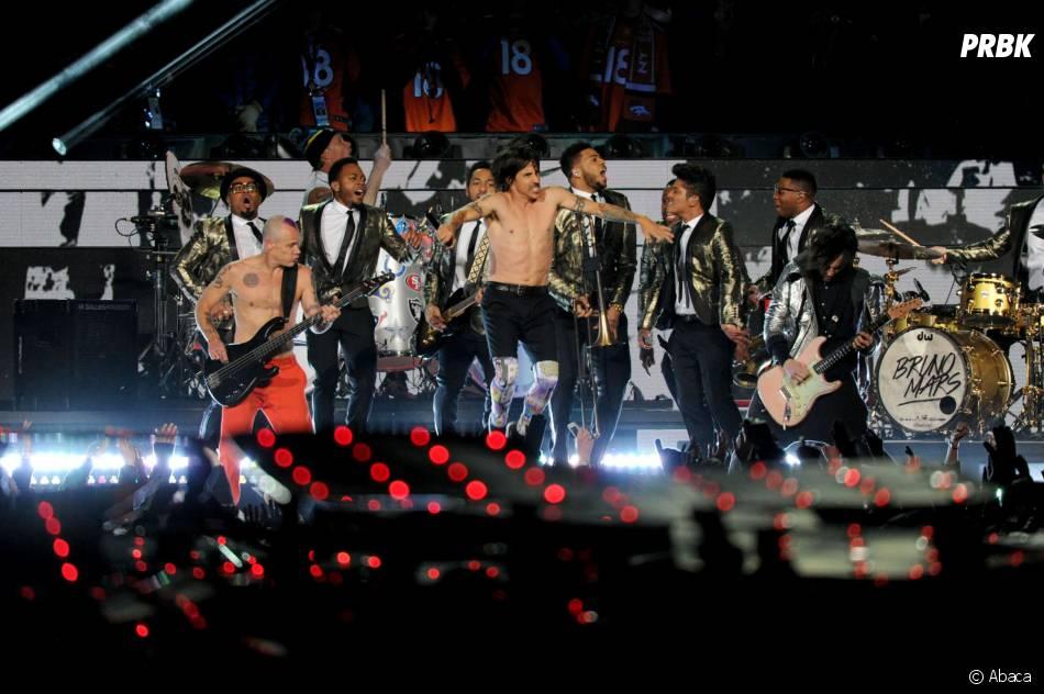 Bruno Mars invite les Red Hot Chili Peppers au Super Bowl 2014