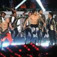 Bruno Mars invite les Red Hot Chili Peppers au Super Bowl 2014 le 2 février 2014