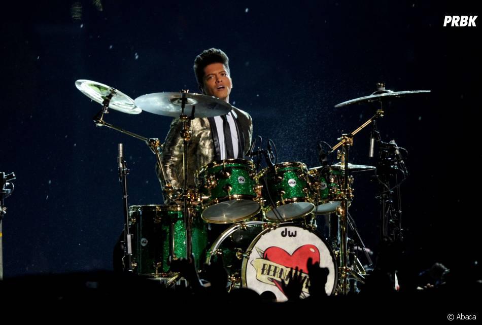 Bruno Mars lors de son show au Super Bowl 2014le 2 février 2014