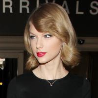 Taylor Swift : nouveau look et cheveux courts avant la St Valentin