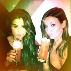 Selena Gomez : première sortie après sa rehab... un verre d'alcool à la main ?