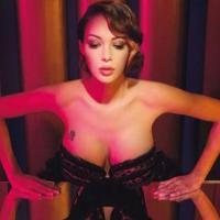 Nabilla Benattia : femme fatale sexy pour Jean Paul Gaultier... et Têtu