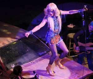 Neil Patrick Harris méconnaissable en drag queen dans la comédie musicale Hedwig and the Angry inch au Belasco Theater de New York, le 31 mars 2014