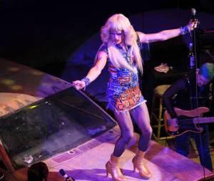 Neil Patrick Harris est déguisé en drag queen dans la comédie musicale Hedwig and the Angry inch au Belasco Theater de New York, le 31 mars 2014