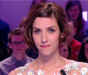 Doria Tillier imite Marion Cotillard dans Le Grand Journal sur Canal+ le 17 avril 2014