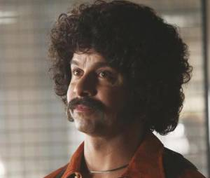 Castle saison 6 : Esposito a une moustache