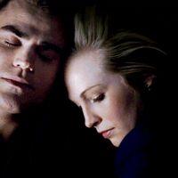 """The Vampire Diaries saison 6 : Stefan et Caroline """"doivent coucher ensemble"""""""