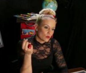 Elodie Gossuin dans un extrait de l'émission Les People passent le bac