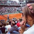 Laury Thilleman dans les tribunes de Roland Garros 2014