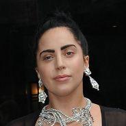 Lady Gaga : nouveau look anti-glamour et soutif' en pleine rue